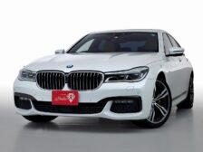 BMW740i Mスポーツ サンルーフ 20インチMライトAW